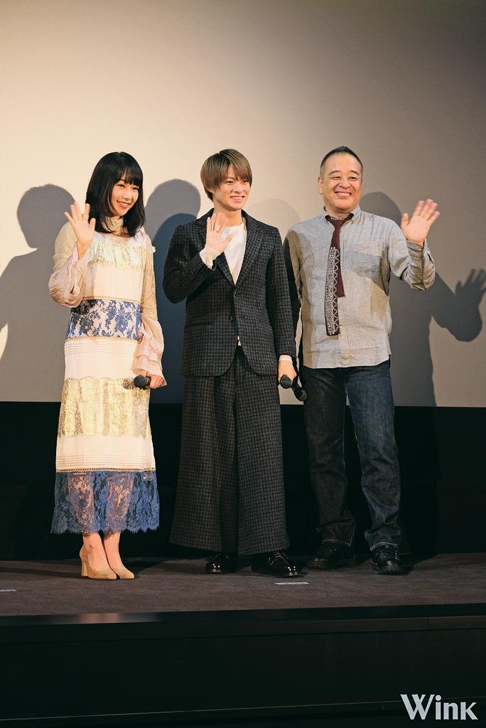 左から、桜井日奈子さん、平野紫耀さん、佐藤祐市監督